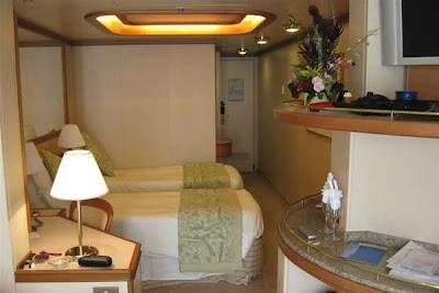 Cabin D505, sleeping area