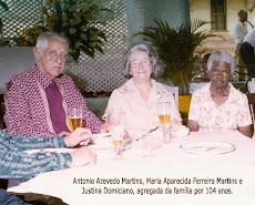 Justina Domiciano, 104 anos junto à familia.