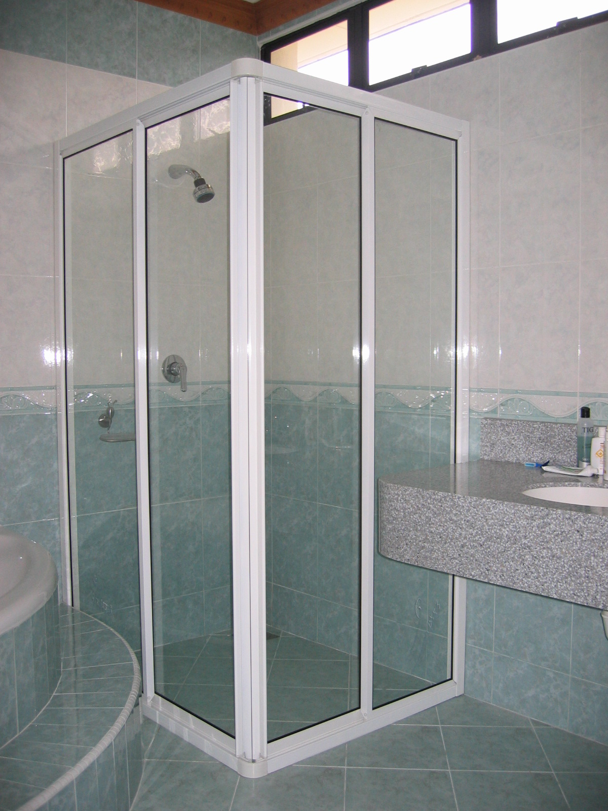 Shower Screen Penang 4mm Frame Shower Screen