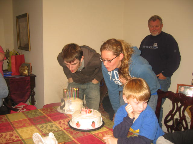 Nathaniel's (my nephew 21st birthday) and Kimberly's 20th birthday cakes
