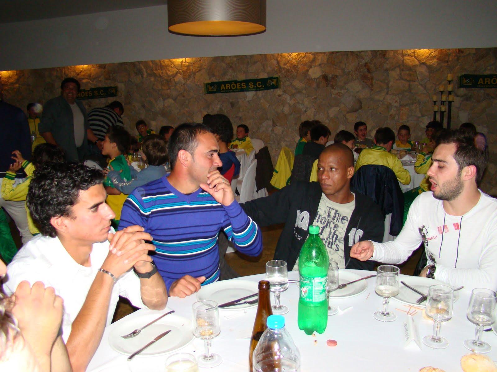 no Mundo: Jantar convívio do Arões Sport Clube reuniu este Sábado #A96F22 1600x1200