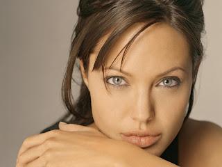 Abby Hate ficha Angelina+Jolie
