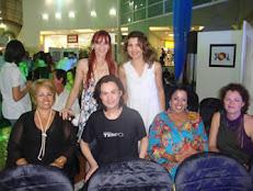 Felicidade Tupinambá e amigos Embelezando o Salão Humor Contra o Racismo