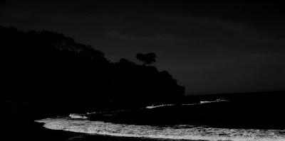 Am Pazifikstrand gibt es keine Geister, oder?, Natur, am Strand, Grusel,