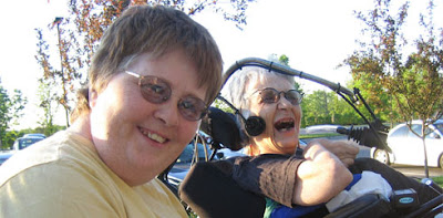Body and Soul: Diana & Kathy, Down Syndrom, Down-Syndrome, englisch, Extrachromosom, Trisomie 21, USA,