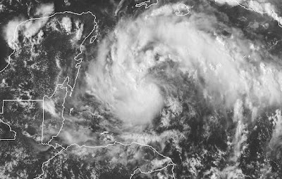 Atlantik aktuell: Tropensturm KARL bedroht Halbinsel Yucatán (Mexiko) mit NASA-HQ-Foto, 2010, aktuell, Atlantik, Hurrikanfotos, Hurrikansaison 2010, Karibik, KARL, Kuba, Mexiko, Yucatán, NASA, Cayman Islands,