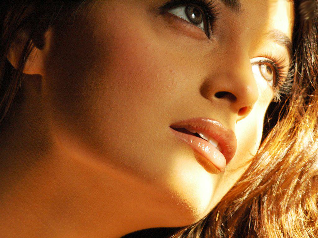 http://4.bp.blogspot.com/_RVTXL4Tq5jk/TP-WsnZE1HI/AAAAAAAAGOs/5-tZUJABDQY/s1600/Dia-Mirza-Pics.jpg