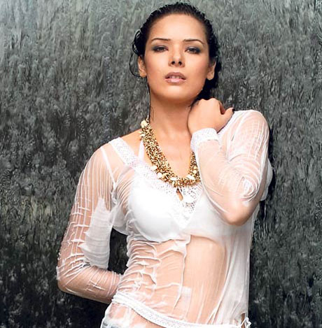 Some of the hot wallpapers of udita goswami.