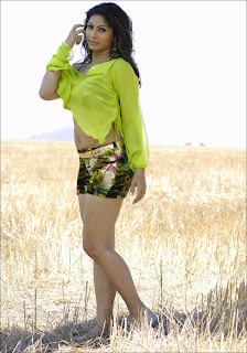 Tanisha Mukherjee hot images