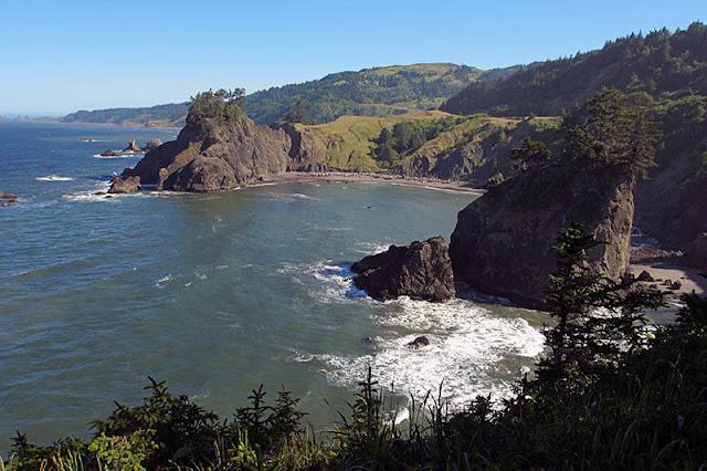 Arch Rock, Oregon © Weldon Schloneger | Dreamstime.com