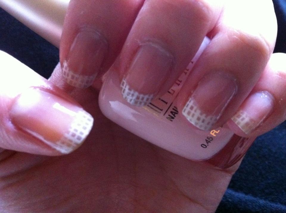 Ramblings: SHANY nail art B39 criss cross pattern french