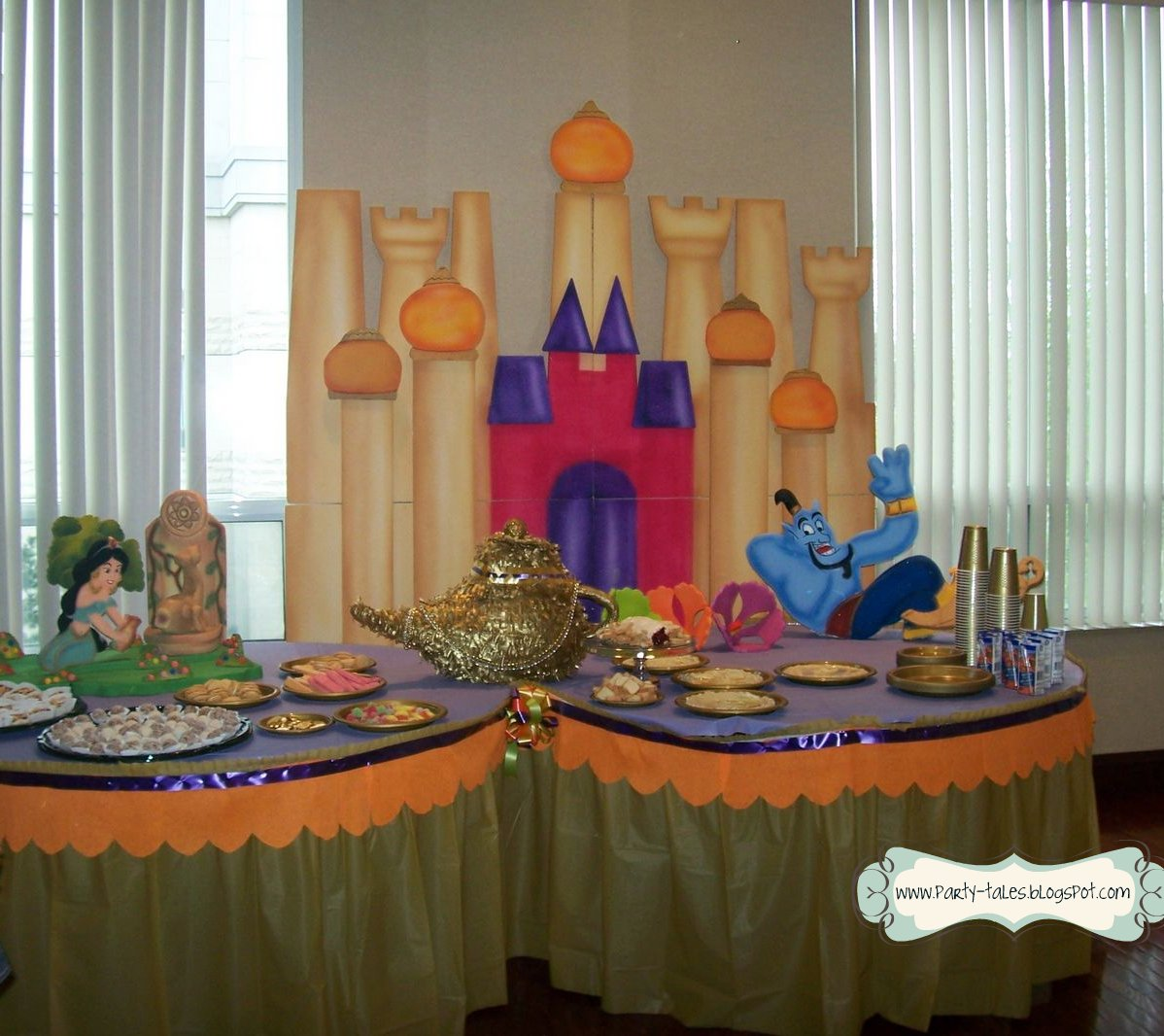 Party tales birthday party jasmine and aladdin a for Aladdin decoration ideas