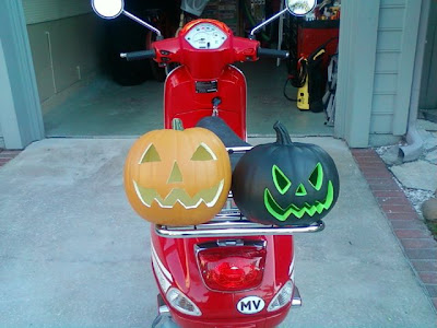 Modern vespa getting ready for halloween decorating for Vespa decoration
