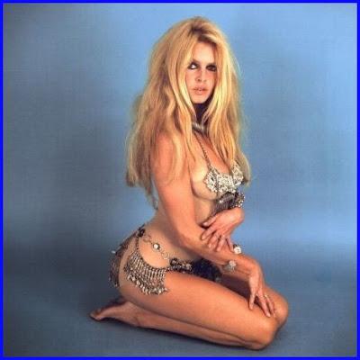 http://4.bp.blogspot.com/_R_Sqi0a8BRc/Sg6P3dLeOxI/AAAAAAAABpk/y49c3rZ26Sk/s400/Brigitte+Bardot++790.jpg