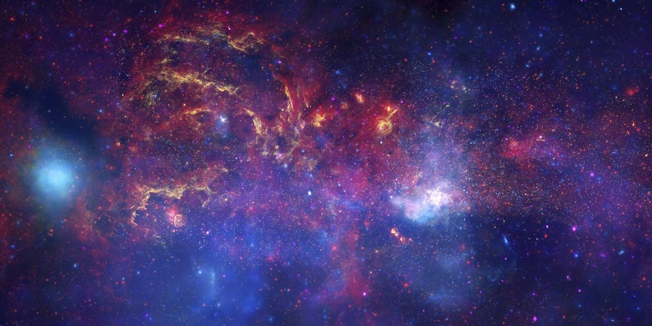 Hubble, Spitzer and Chandra Composite of the Milky Way's Galactic Center