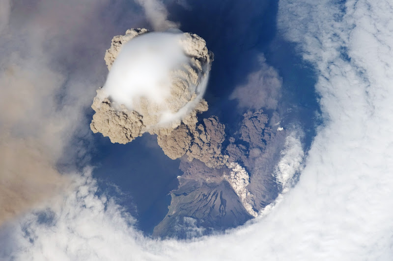 Sarychev Peak Eruption, Kuril Islands