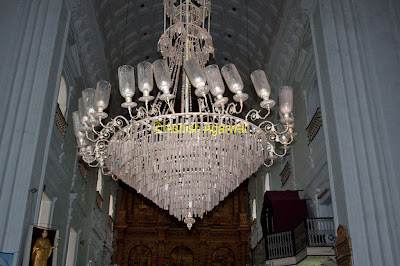 Chandelier hanging from the roof of the Se Cathedral in Goa