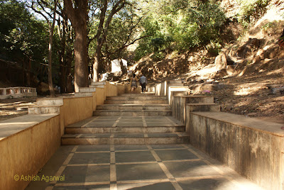 The short walk to the Bada Mahadev cave complex in Pachmarhi