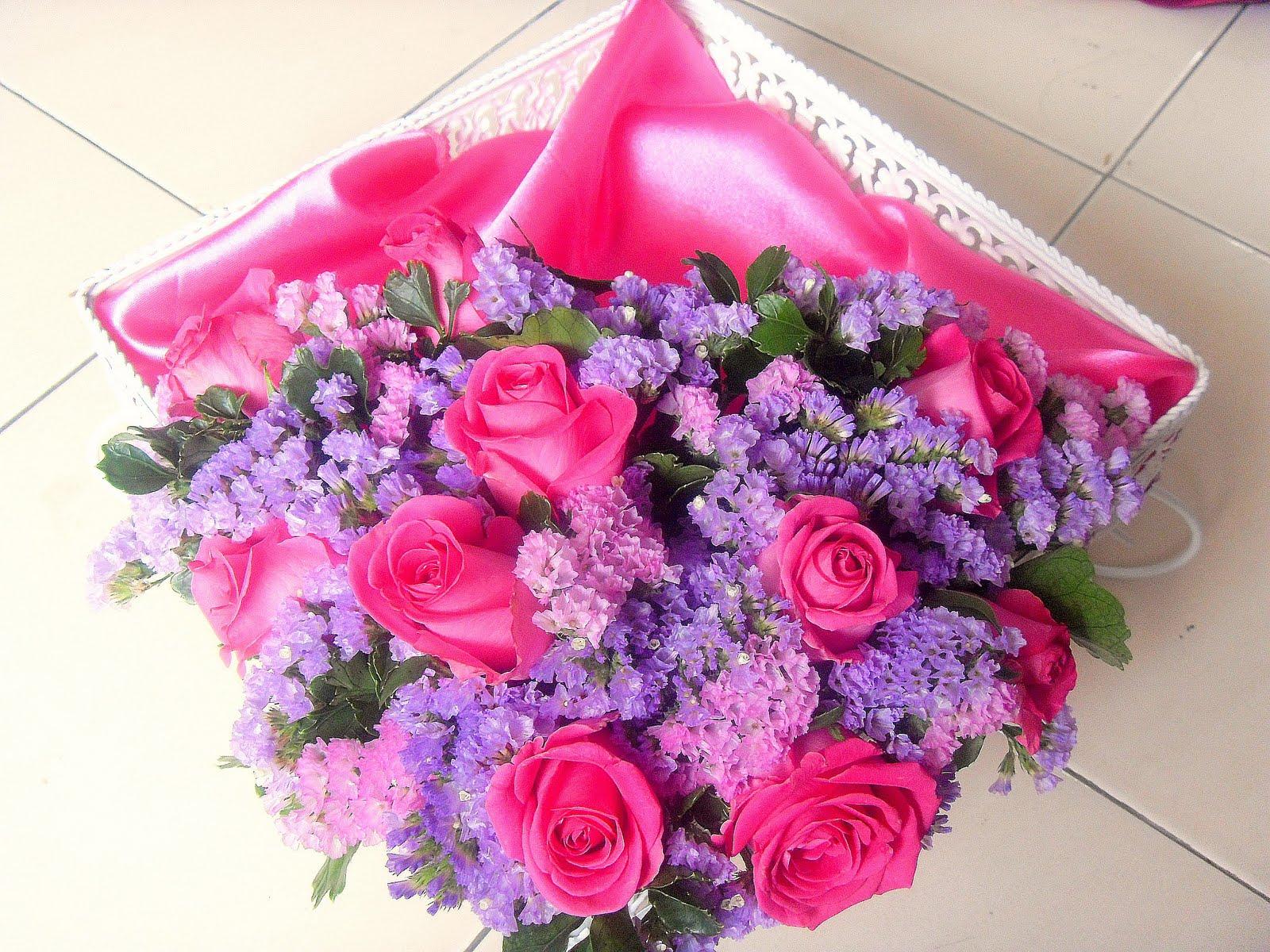 Gubahan Hantaran Bunga Segar-Purple & Pink