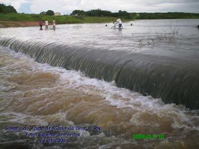 http://4.bp.blogspot.com/_RdEeR2ubf-w/SfRZ4LO9ZgI/AAAAAAAAATs/zfPQd7tcRqU/s320/sangri+riacho+da+cruz.jpg