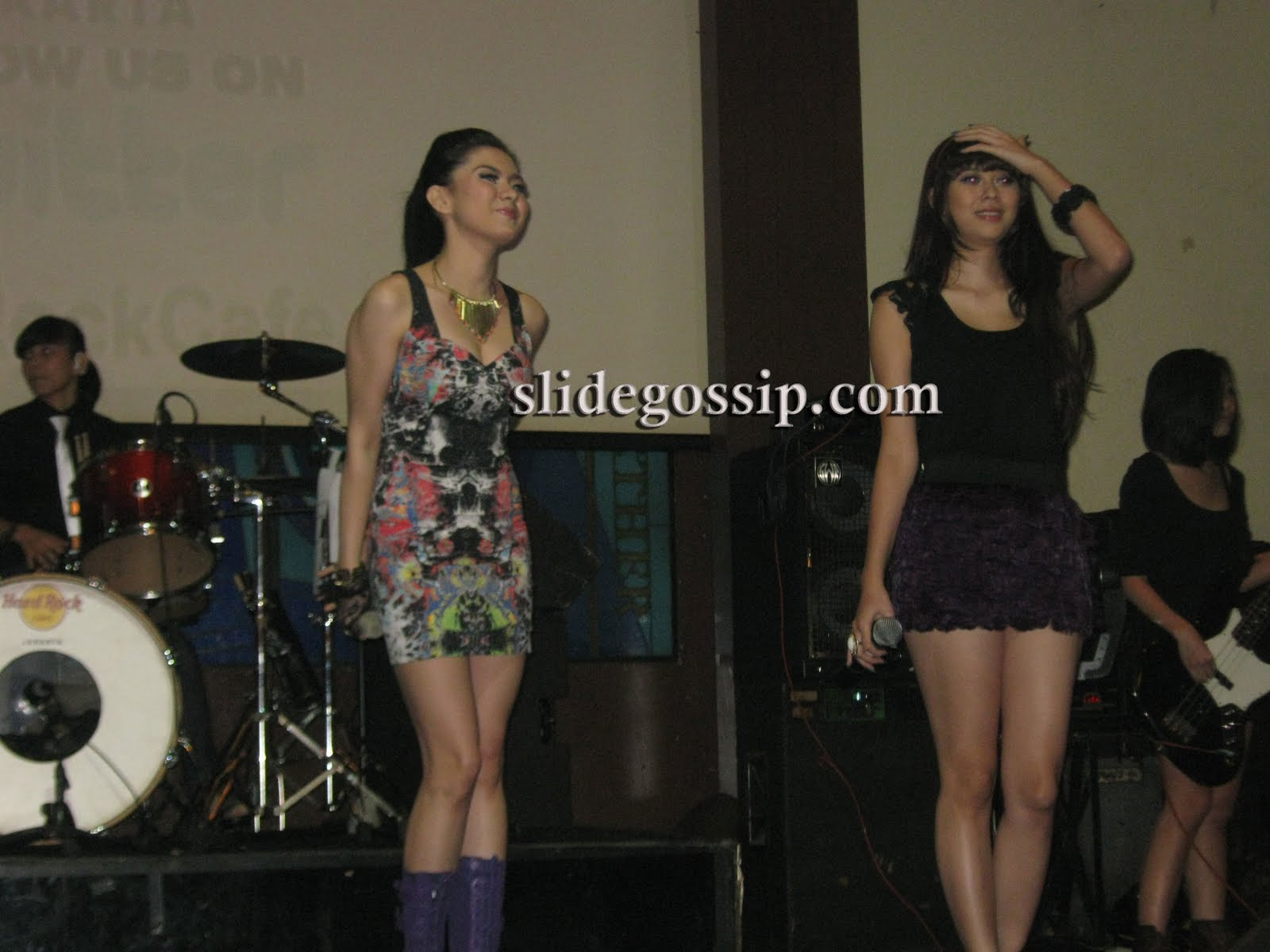 Foto-foto Eksklusif Vicky Shu Saat Launching Album 'Drink Me