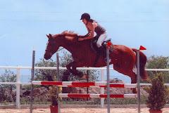 Laura saltando