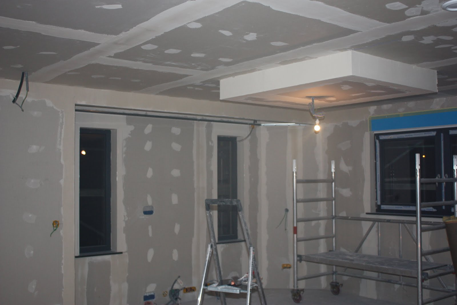 Faux plafond suspendu decoratif id es de for Plafond suspente