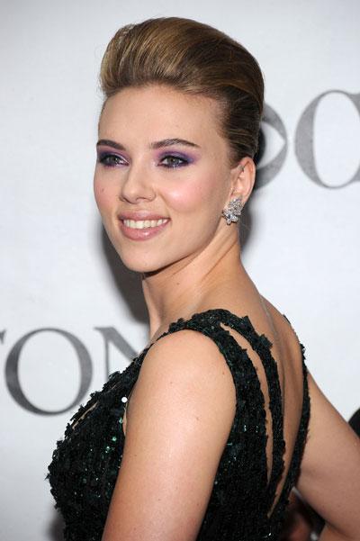 scarlett johansson makeup. Scarlett Johansson#39;s makeup at