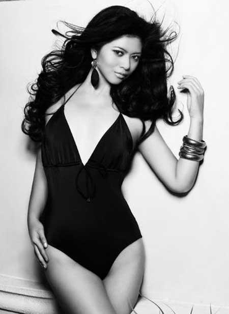 Gambar dan Foto Bikini Putri Indonesia Qory Sandioriva