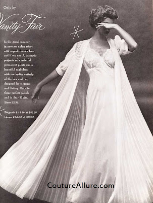 1955, Vanity Fair, peignoir set, pleated robe