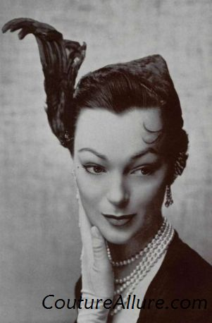 short hair 1950s. To make a hat like this work, you must have short hair, or long hair worn