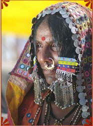 غرائب عادات التجميل عند نساء العالم ...