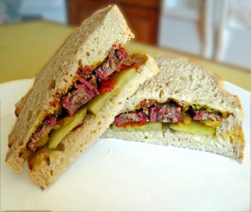 [brisket+sandwich.jpg]