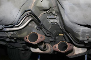 2002 Ford Mustang GT Disconnected Exhaust Pipes