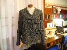 Chaqueta en lana de manga sastre y cuello amplio
