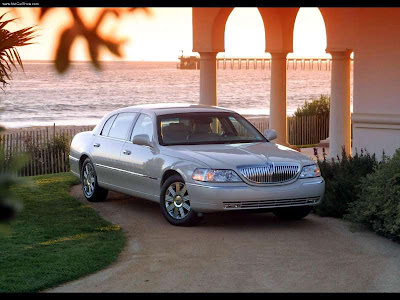 2003 Lincoln Town Car interior PICTURES