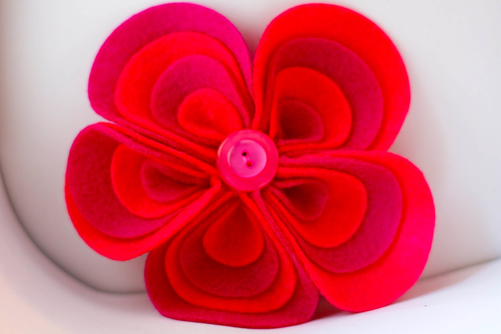 De om s Dalliance Felt flower fun