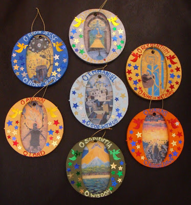 You can make a tree ornament for each antiphon like these ones made in Australia:)