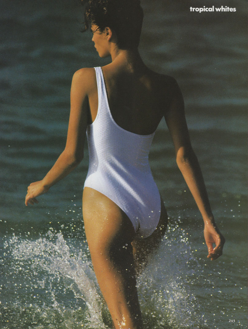 http://4.bp.blogspot.com/_RrfoUxX-jD4/TKiOwYFAKuI/AAAAAAAAC78/mraJg8_0K20/s1600/Christy_Turlington_US_Vogue_May_1990_16.jpg
