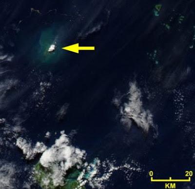 ... erupciona debajo del mar imagenes de volcan que erupciona debajo del