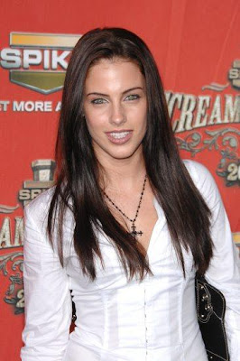 Jessica Lowndes canadiense