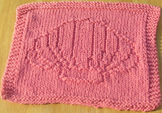 Seashell Knitting Pattern : DigKnitty Designs: Sea Shell Knit Dishcloth Pattern