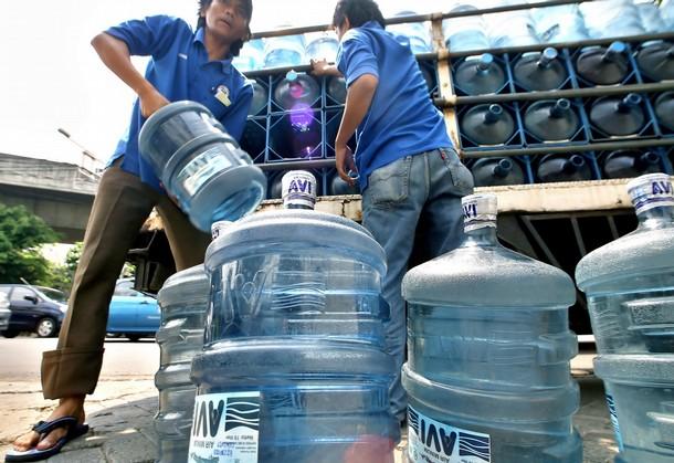 Bottled Water Vs Tap Water. ottled water companies.