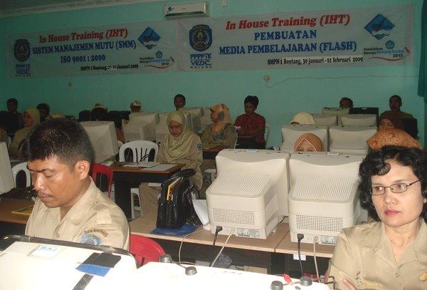 Pembukaan IHT SMM ISO 9001:2000 dan  Media Pembelajaran (Flash)