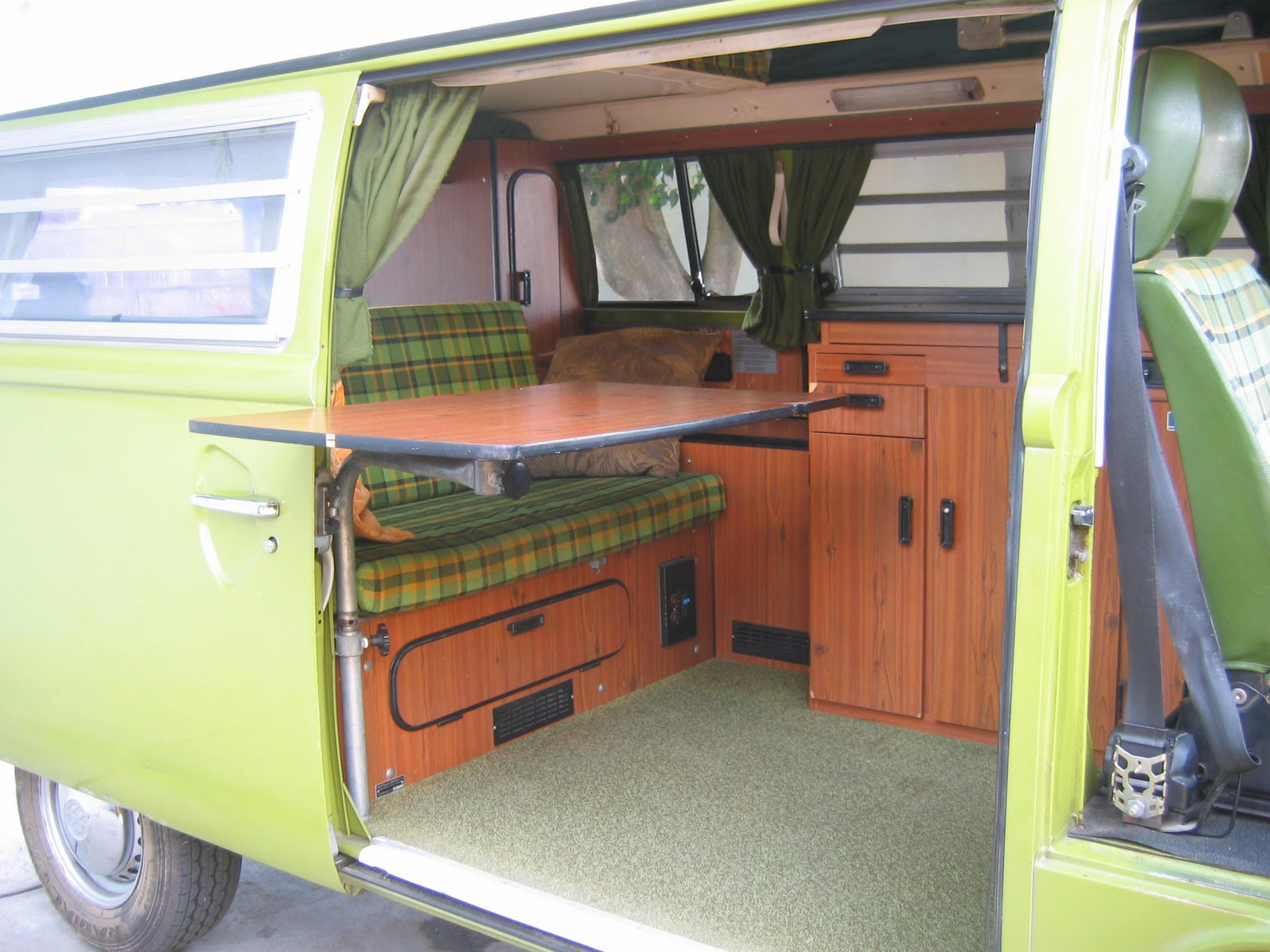 Vintage surfari wagons a new interior for 1977 westfalia for Interior westfalia
