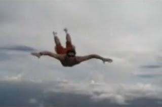 Travis Pastrana salto extremo sin paracaídas
