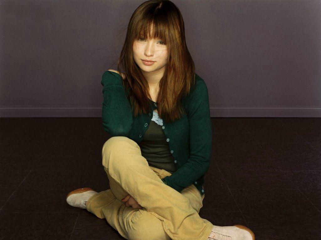 http://4.bp.blogspot.com/_RyZtIOptAuE/Sg6oWEXTQ-I/AAAAAAAAAn0/yjv0tOTiEtI/s1600/Emily-Browning-4.JPG