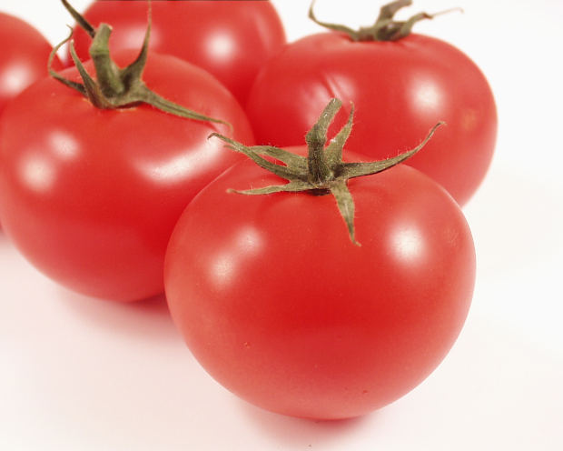 nutritious-healthy-delicious-tomatoes