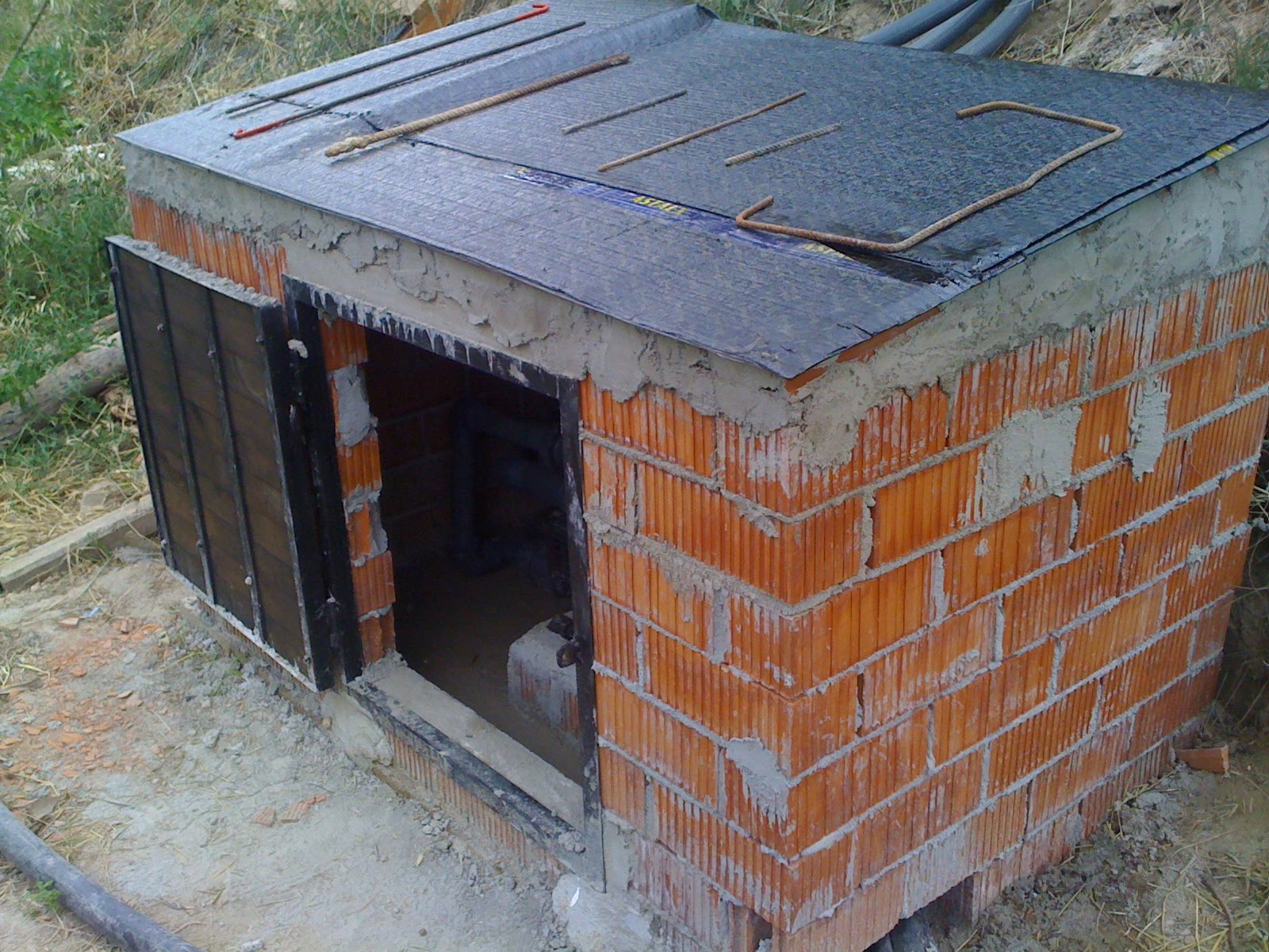 Can cigaleta bautizando reciclando avanzando for Casetas de huerto