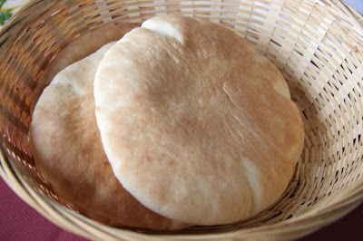 Pita bread photo by Israel Talby
